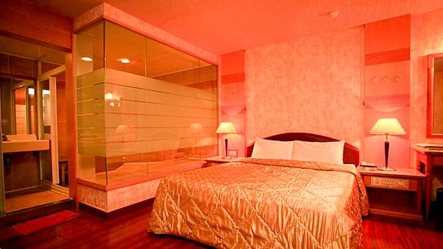 百威汽車旅館(台南市)