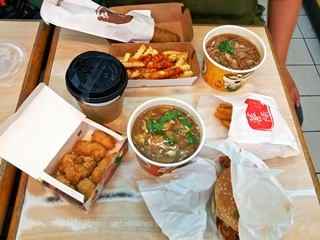 丹丹漢堡-鼎中店