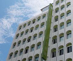 六合日麗飯店