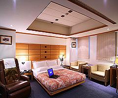 高苑商務旅館中山店