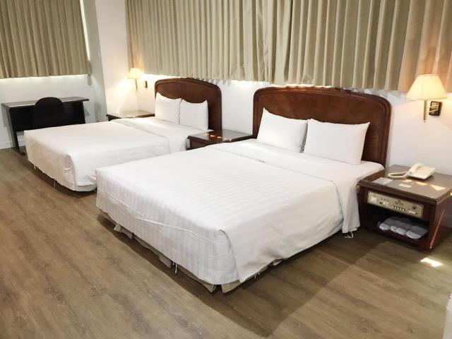 亞伯大飯店