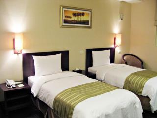 九閣商務旅館