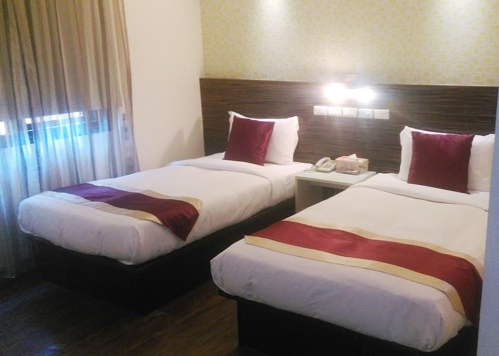 Muslim Certification – Deluxe Double Room (Two single beds)