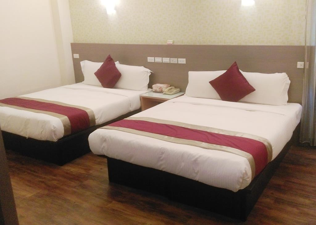Muslim Certification –Luxury Quadruple Room (Two double bed)